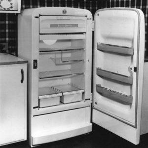 1950s-english-fridge-hulton-archive